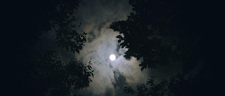 Schwarze Nacht
